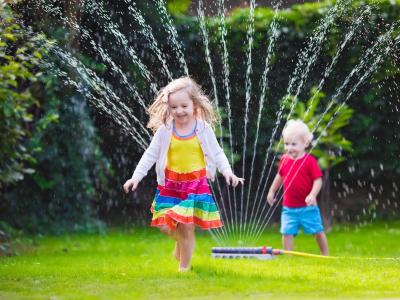 Families fun water craft play activities